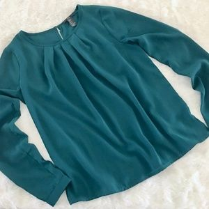 Forever 21 long sleeve top S